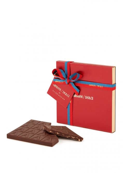 Milk chocolate with crushed Hazelnuts 60g Winter 19